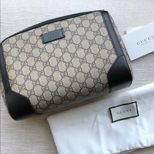 Gucci GG Supreme print wash bag